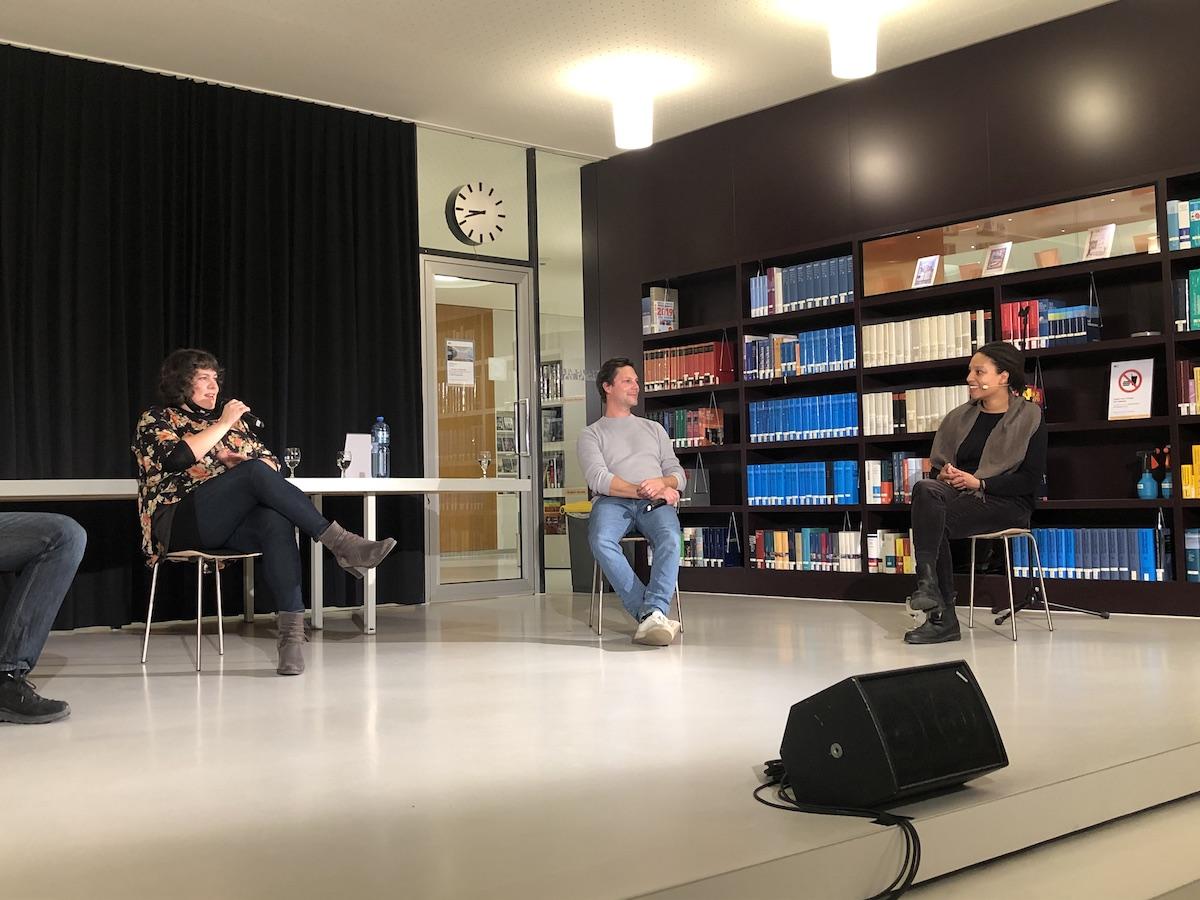 Patti Basler, Simon Libsig, Eva Seck im Podiumsgespräch (vlnr) [Aarau, 16.10.20]