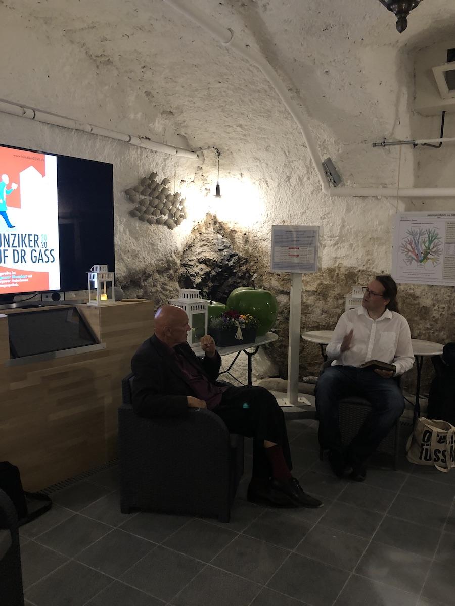 Thomas Hostettler (links) im Gespräch mit Dieter Studer-Joho (rechts)