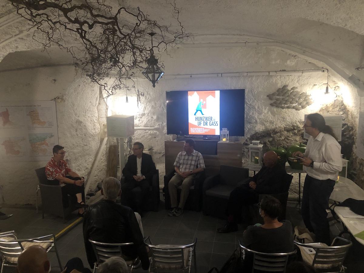 Podiumsgespräch mit Sonja Kalt, Michel Mettler, Matthias Friedli, Thomas Hostettler und Dieter Studer-Joho (v.l.n.r.)